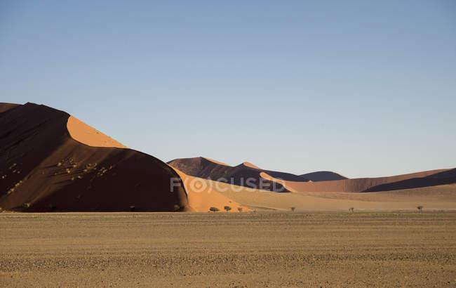Afrique, Namibie, Sossus Vlei, désert de dunes au coucher du soleil — Photo de stock