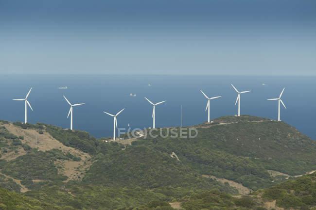 Espanha, Andaluzia, Tarifa, Parque eólico na costa — Fotografia de Stock