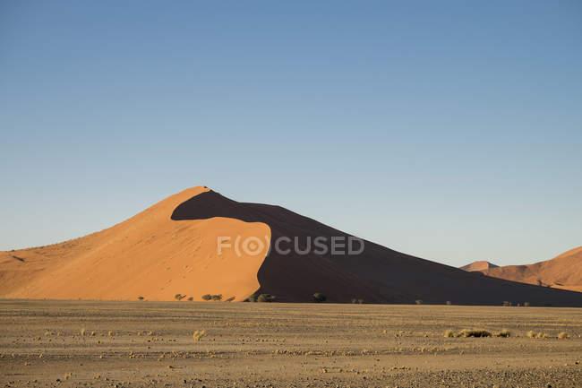 Африка, Намібія, Sossusvlei, піщані дюни на заході сонця — стокове фото