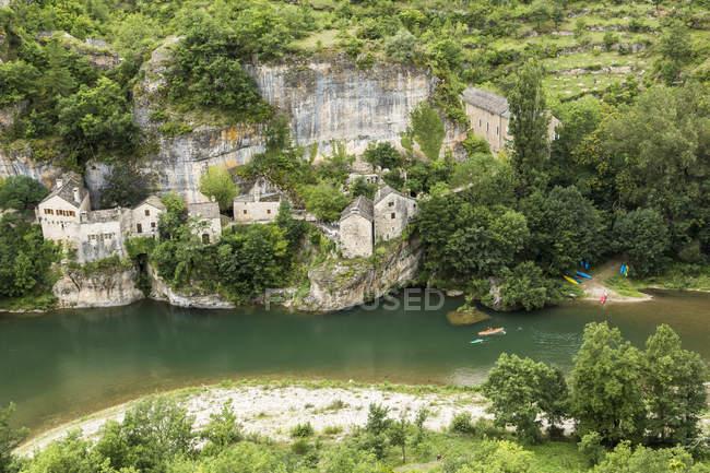 France, Longuedoc-Roussillon, Gorges du Tarn, Auberge de la Cascade — стоковое фото