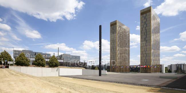 Vista de torres de escritórios do Tribunal Europeu de Justiça no dia, bairro europeu, cidade de Luxemburgo, Luxemburgo — Fotografia de Stock