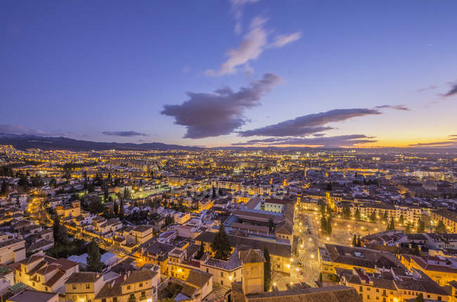 Cityscape at sunset seen from district Realejo-San Matias, Granada, Andalusia, Spain — Stock Photo