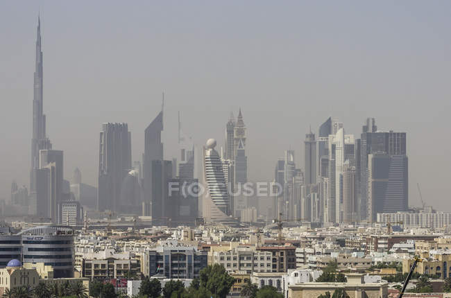 Объединенные Арабские Эмираты, Дубай, Skyline с Бурдж Халифа — стоковое фото