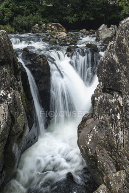 Great Britian, Wales, Betws-y-Coed, Conwy river Snowdonia National Park — Stock Photo