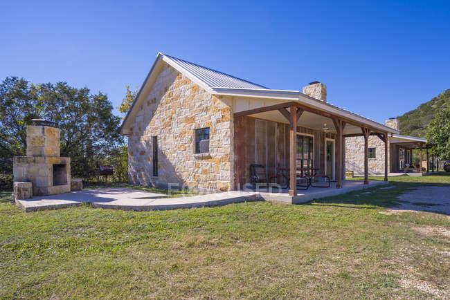 США, штат Техас. Два сільському гостьових будинків — стокове фото