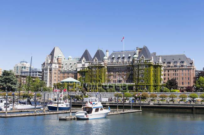 Kanada, British Columbia, Victoria, Marina vor dem Empress Hotel — Stockfoto