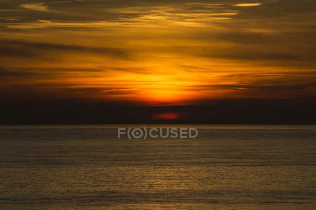 Côte de la Hollande, mer du Nord, dunes au coucher du soleil — Photo de stock