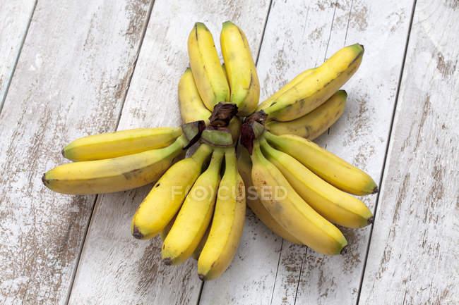 Пучки свіжі банани — стокове фото