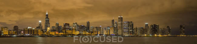 Usa, illinois, icago, blick auf willis turm am michigan-see — Stockfoto