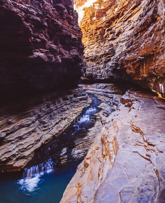 Australien, Western Australia, Karijini National Park, Bach durch Hancock Gorge — Stockfoto