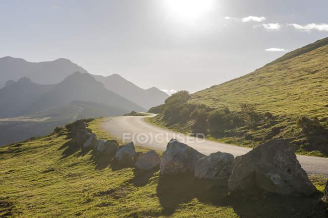 Spain, Cantabria, Picos de Europa National Park, Road at Collado de Llesba — Stock Photo