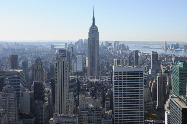 USA, New York State, New York City, View of Empire State Building at Manhattan — Stock Photo