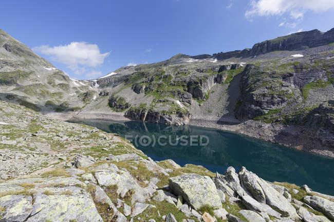 Austria, Carinthia, Obervellach, Upper Tauern, Reisseckgruppe, Kleiner Muehldorfer See - foto de stock