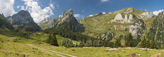Switzerland, Appenzell, Alpstein, View on Widderalpstoeck and Dreifaltigkeit — Stock Photo