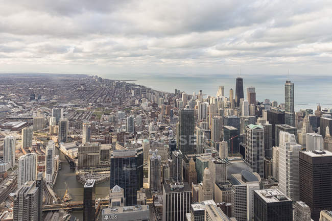 EUA, Illinois, Chicago, Vista da Willis Tower para o Lago Michigan — Fotografia de Stock