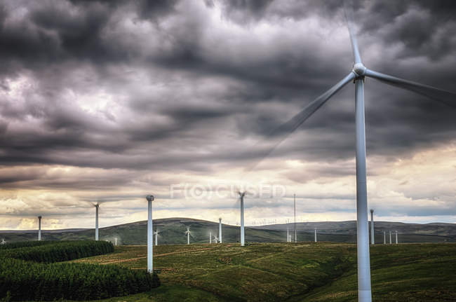 United Kingdom, Scotland, View of wind turbine at Dunbar — Stock Photo