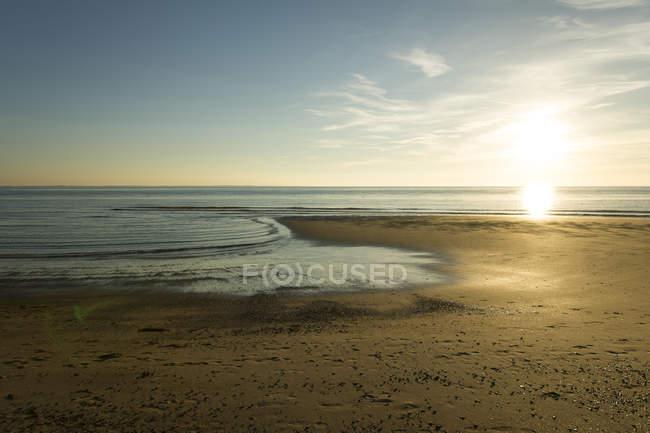 Côte de la Hollande, mer du Nord, plage le soir — Photo de stock