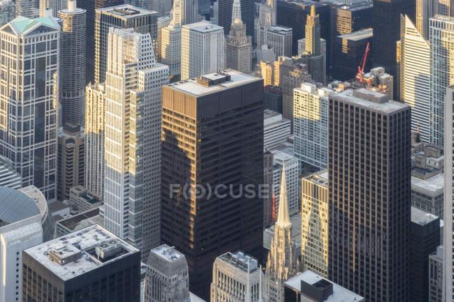 Вид з Вілліс Тауер над Чикаго в денний час, Чикаго, Іллінойс, США — стокове фото