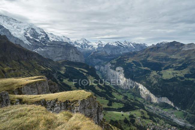 Schweiz, Berner Oberland, Blick vom Maennlichen zum Lauterbrunner Tal — Stockfoto