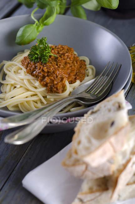Спагетти с соусом Болоньезе вегетарианские, соевые — стоковое фото