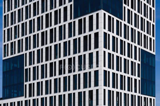Germania, Monaco di Baviera, Facciata di grattacielo — Foto stock