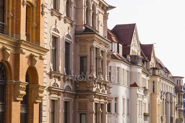Germany, Saxony-Anhalt, Halle, Row of restored town houses — Stock Photo