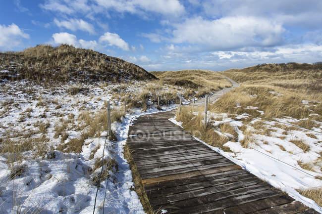 Alemanha, Costa com neve em Spiekeroog — Fotografia de Stock