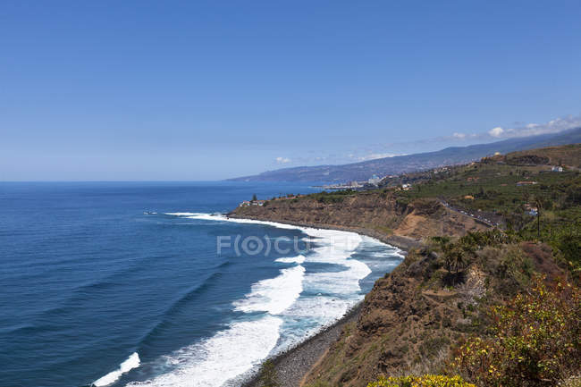Seascape with cliffs of Tenreriffa at Las Aguas in bright sunny day, Tenerife, Canary Islands, Spain, Europe — Stock Photo