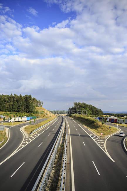 Deutschland, Bayern, Coburg, Autobahn — Stockfoto