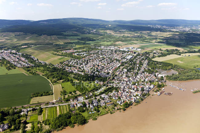 Germany, Hesse, High water of River Rhine near Wiesbaden, aerial photo of town  during daytime — Stock Photo