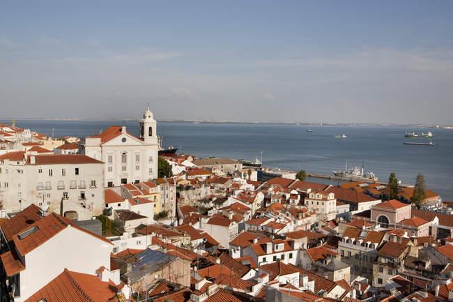 Igreja vista de Santo Estêvão de Portugal, Lisboa, perto do Rio Tajo — Fotografia de Stock