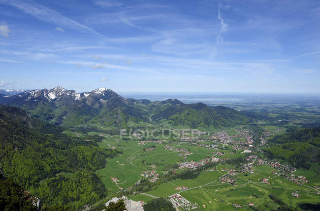 Alemanha, Bavaria, Ruhpolding, exibição de Chiemgau região durante o dia — Fotografia de Stock