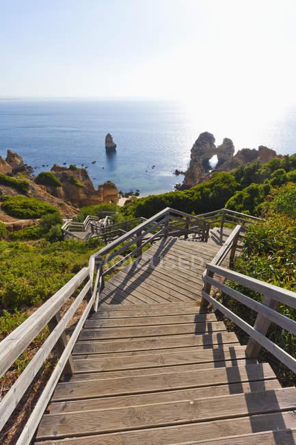 Sentiero in legno per la spiaggia di Camilo — Foto stock