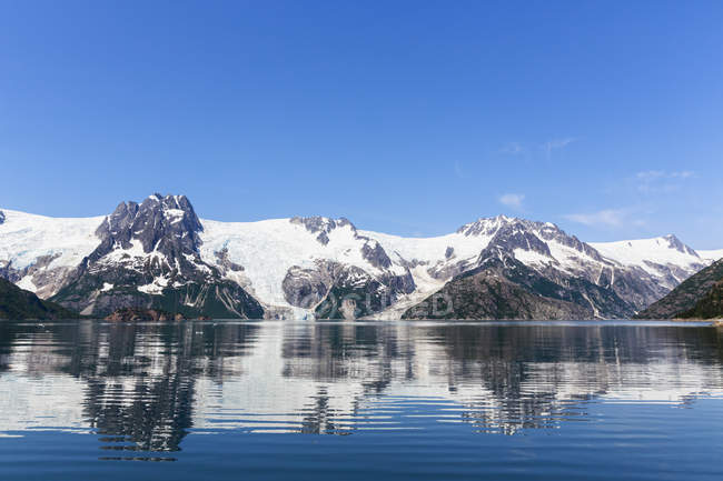 Scenic view to glacier at daylight, Resurrection Bay, Seward, Alaska, USA — Stock Photo