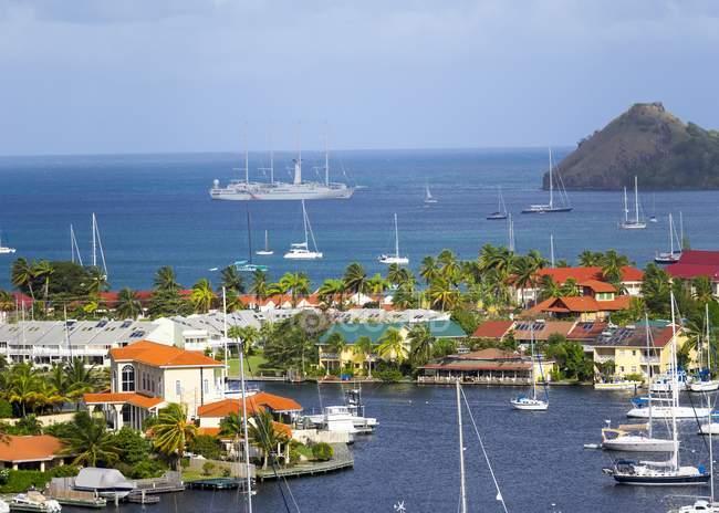 Karibik, Kleine Antillen, Heilige Lucia, Rotbucht und Yachthafenblick von oben — Stockfoto