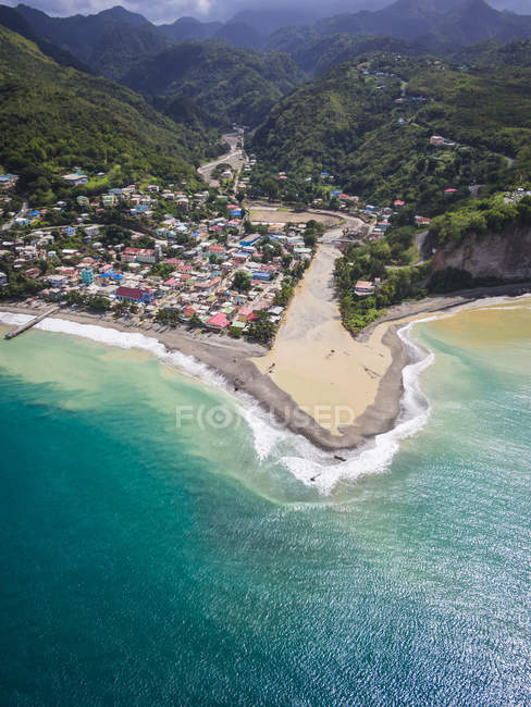 Caribbean, St. Lucia, aerial photo of village Canaries — Stock Photo