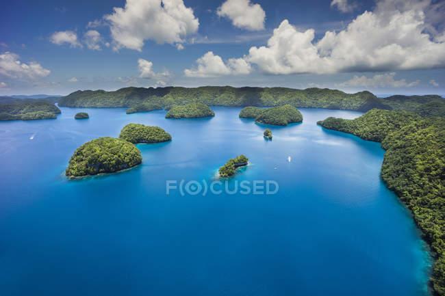 Micronesia, Palau, arcipelago nell'oceano durante il giorno — Foto stock