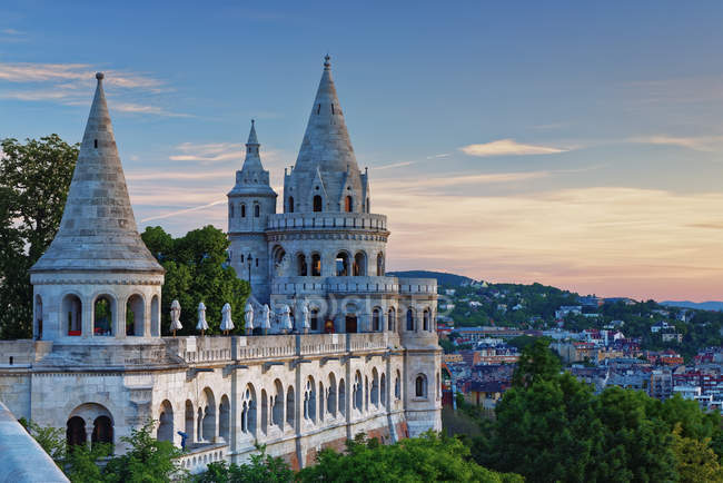 Hungary, Budapest, View to Fisherman's Bastion in the evening — Stock Photo