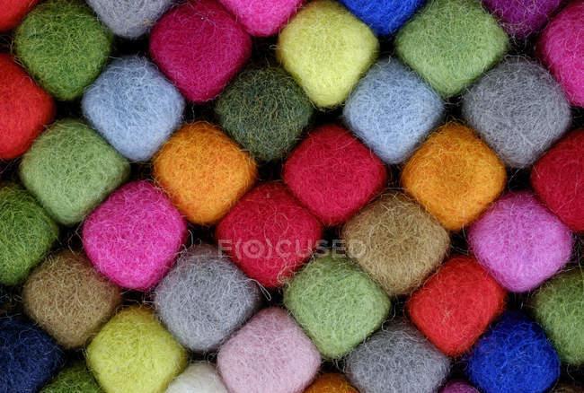 Coloratissime palline di lana, sfondo texture — Foto stock
