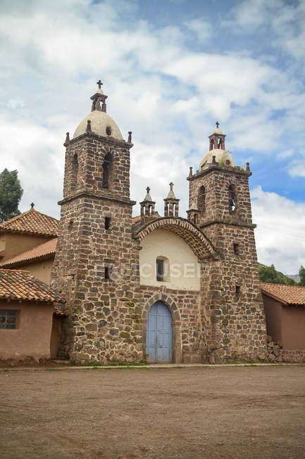 Південної Америки, Перу, перегляд мало колоніальною церквою в Куско — стокове фото