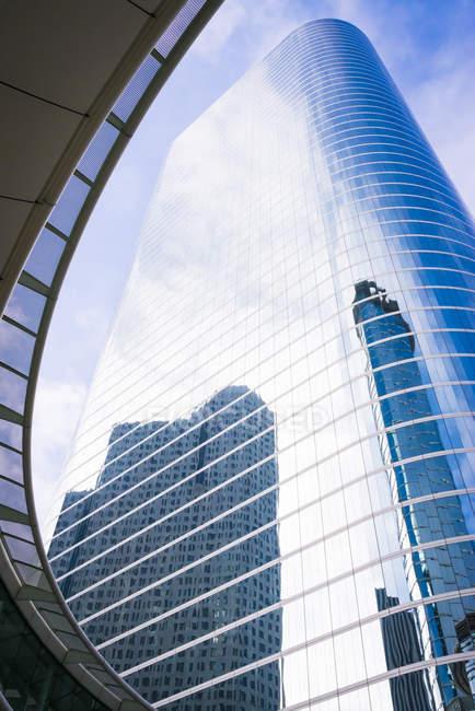 USA, Texas, Houston, vista a grattacielo dal basso — Foto stock