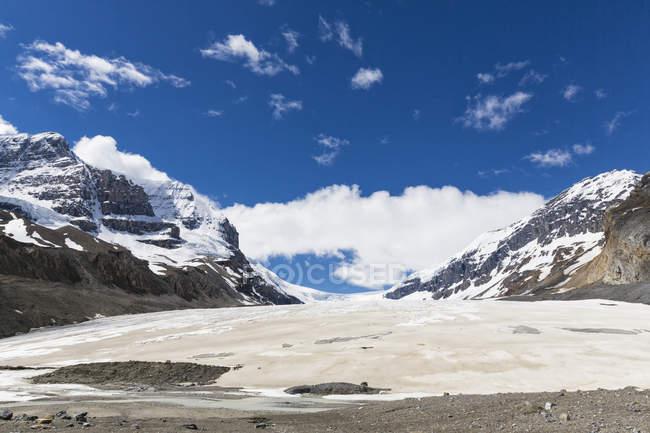 Canadá, Alberta, montanhas rochosas, montanhas rochosas canadenses, Parque Nacional de Jasper, área do campo de gelo Columbia, glaciar Athabasca — Fotografia de Stock