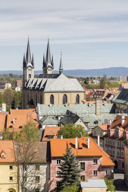 Vista aerea di Cechia, Cheb, centro storico con la Chiesa di St Nicolas — Foto stock