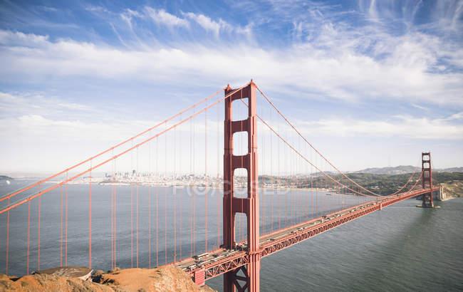 USA, Kalifornien, Blick auf Golden Gate Bridge und San Francisco Bay — Stockfoto