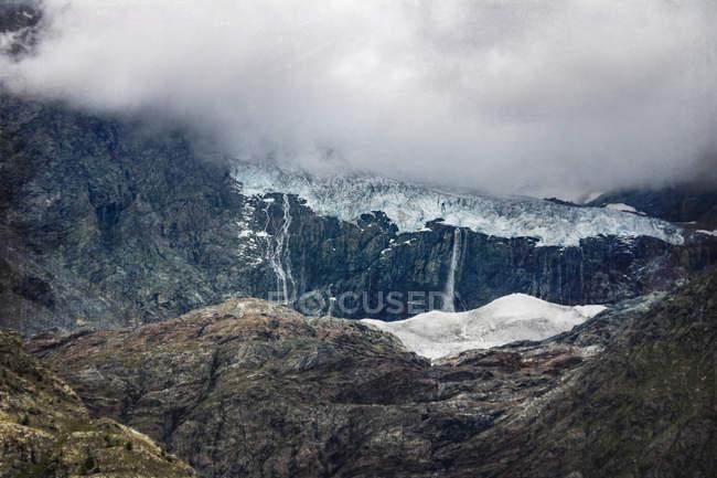 Vista del ghiacciaio di Sasso Rosso durante il giorno. Lombardia, Italia — Foto stock