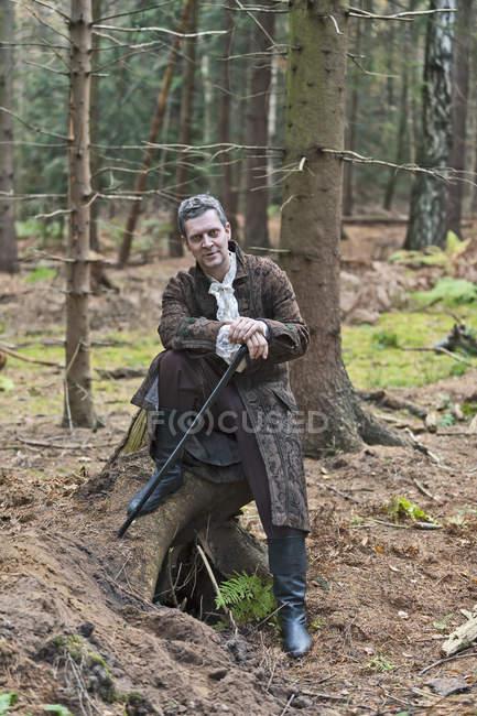 Человек, представляющий волк сказки Красная шапочка — стоковое фото