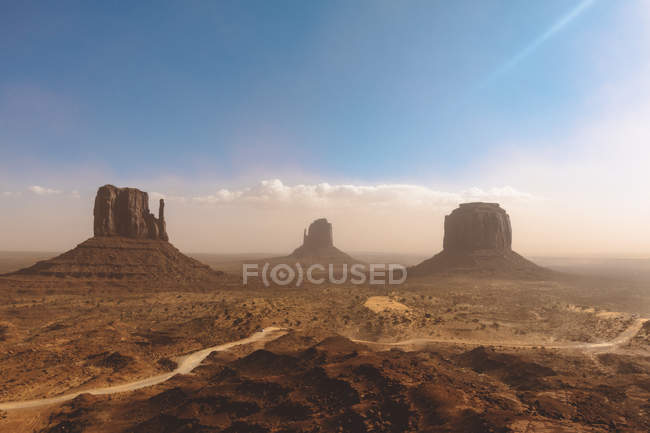 USA, Utah, Monument Valley an einem Sommertag — Stockfoto
