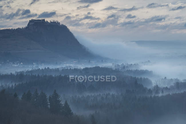 Germany, Baden-Wuerttemberg, Constance distrikt, Hegau, Hohentwiel and Castle Ruin — Stock Photo