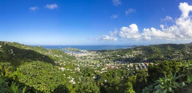 Caribbean, Lesser Antilles, Sainte Lucie, Castries et port pendant la journée — Photo de stock
