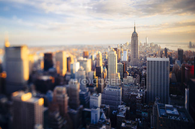 Vista panoramica di Manhattan al tramonto vista dall'alto, New York, USA — Foto stock